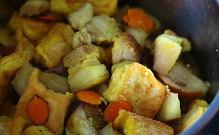 Bữa trưa tuyệt ngon với cà bung thịt ba chỉ đơn giản dễ làm