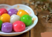 Biến tấu lạ đẹp với món bánh trôi ngũ sắc sử dụng màu thực phẩm tự nhiên