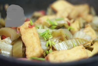 Chống ngán bữa trưa với món dưa chua xào đậu phụ vừa đơn giản vừa ngon miệng