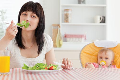 Nên giảm cân sau sinh lúc nào thì tốt cho sức khỏe của cả mẹ lẫn con ?