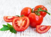 Tuyệt chiêu điều trị rạn da sau sinh cho sản phụ chỉ bằng cà chua